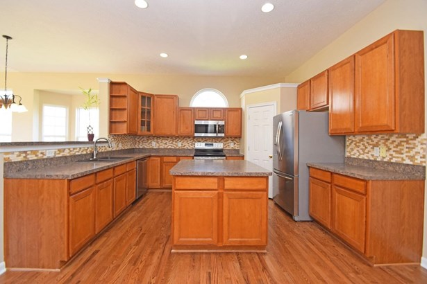 Single Family Residence, Ranch - Fairfield Twp, OH (photo 3)