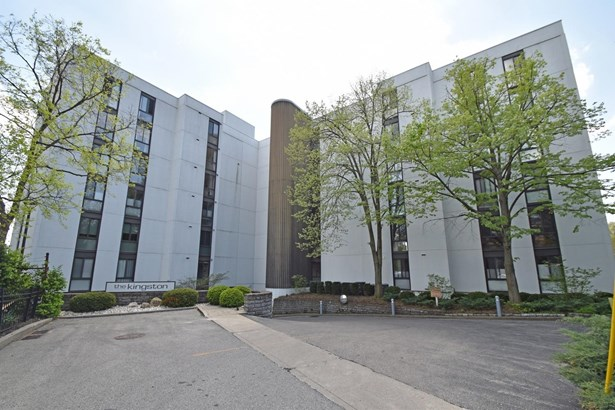 Condominium, Contemporary/Modern,Transitional - Cincinnati, OH (photo 2)