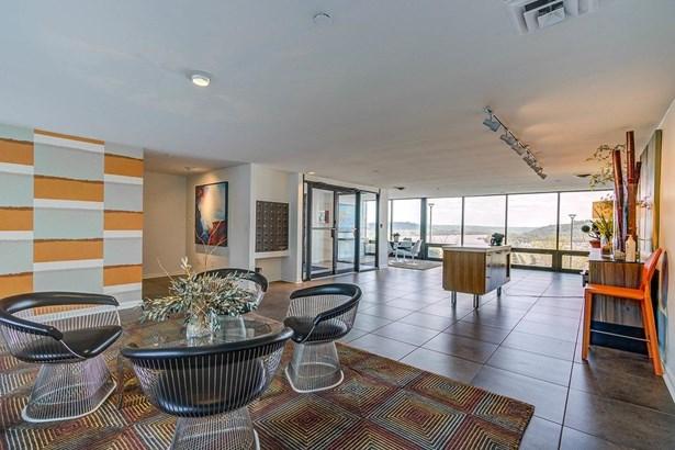 Condominium, Contemporary/Modern,Transitional - Cincinnati, OH (photo 3)