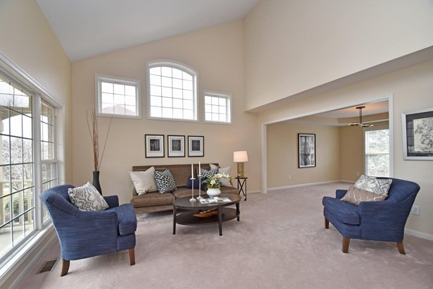 Transitional, Single Family Residence - Anderson Twp, OH (photo 4)