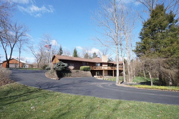 Transitional, Single Family Residence - Turtle Creek Twp, OH (photo 2)