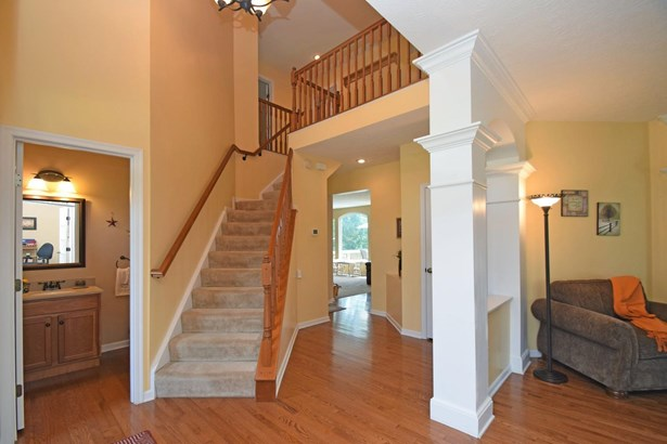 Single Family Residence, Traditional - Union Twp, OH (photo 2)