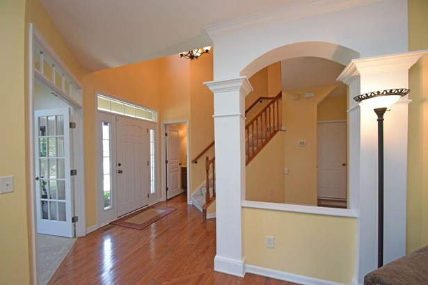 Single Family Residence, Traditional - Union Twp, OH (photo 3)