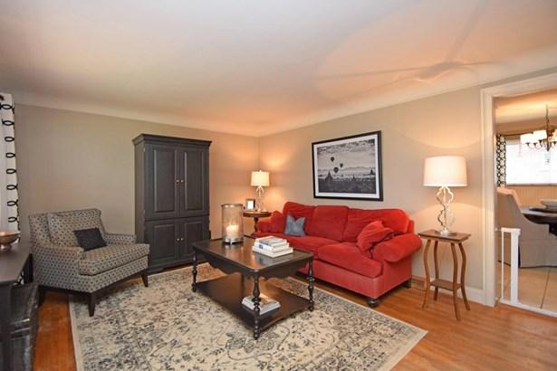 Cape Cod, Single Family Residence - Springfield Twp., OH (photo 2)