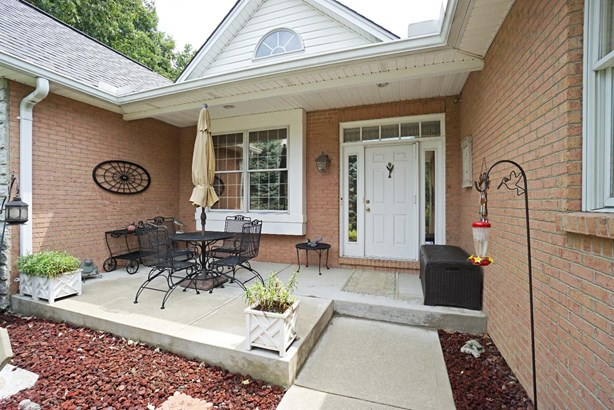 Single Family Residence, Ranch - Loveland, OH (photo 2)