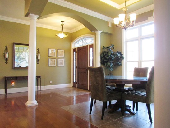 Single Family Residence, Contemporary/Modern,Transitional - Perry Twp, OH (photo 4)