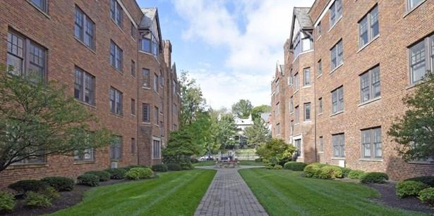 Condominium, Historical,Tudor - Cincinnati, OH (photo 3)