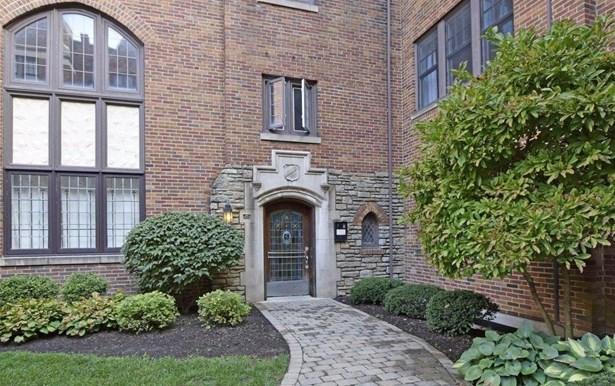 Condominium, Historical,Tudor - Cincinnati, OH (photo 4)