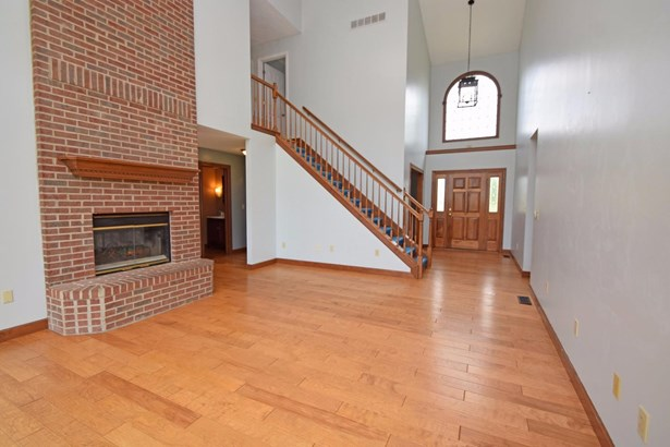 Single Family Residence, Traditional - Milford Twp, OH (photo 3)