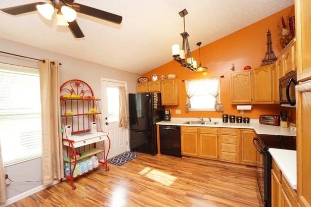 Single Family Residence, Traditional,Transitional - Trenton, OH (photo 5)