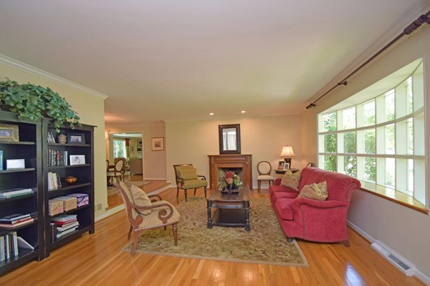 Single Family Residence, Ranch - Wyoming, OH (photo 2)