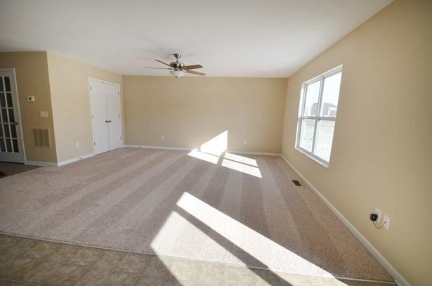 Single Family Residence, Traditional - Morrow, OH (photo 4)