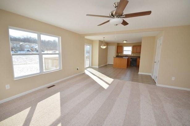 Single Family Residence, Traditional - Morrow, OH (photo 5)