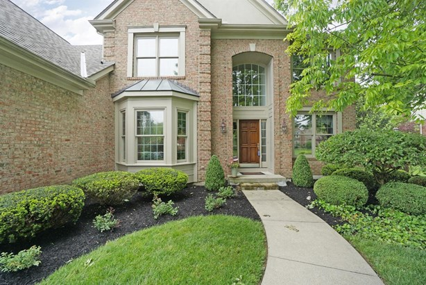 Transitional, Single Family Residence - Sycamore Twp, OH (photo 2)