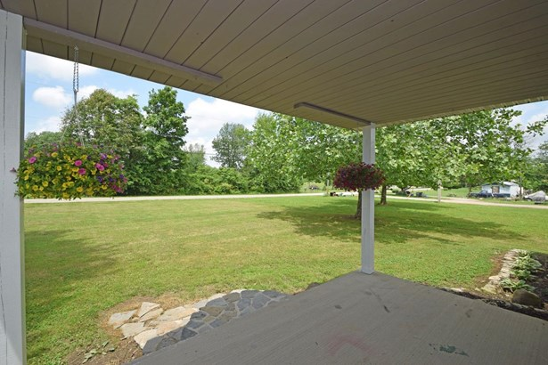 Single Family Residence, Ranch - Franklin Twp, OH (photo 3)