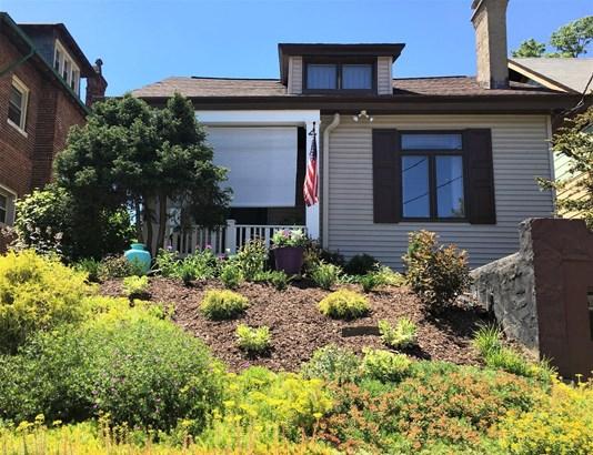Single Family Residence, Craftsman/Bungalow - Cincinnati, OH (photo 1)