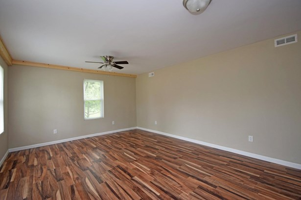 Cape Cod, Single Family Residence - Williamsburg Twp, OH (photo 4)