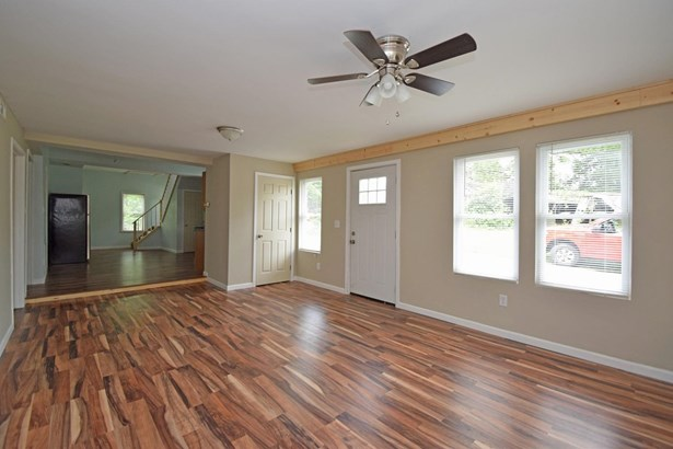 Cape Cod, Single Family Residence - Williamsburg Twp, OH (photo 5)