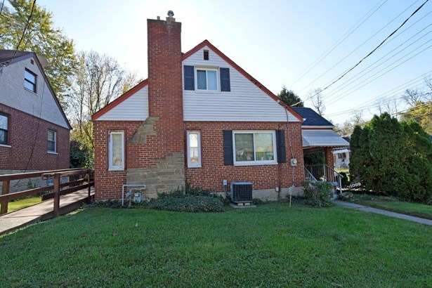 Cape Cod, Single Family Residence - Cincinnati, OH (photo 2)