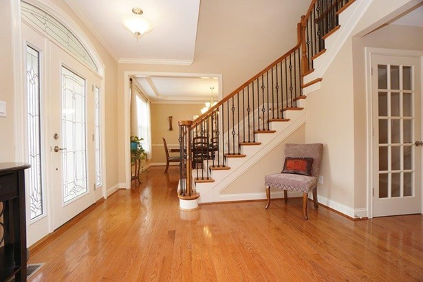 Transitional, Single Family Residence - West Chester, OH (photo 2)
