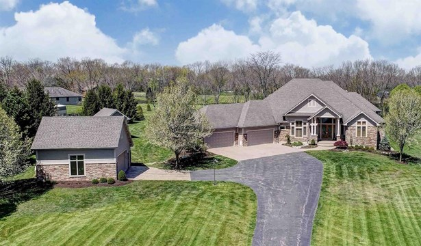 Single Family Residence, Ranch - Clearcreek Twp., OH