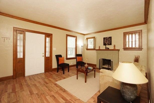 Cape Cod, Single Family Residence - Deer Park, OH (photo 4)