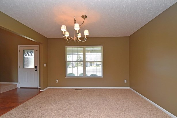 Single Family Residence, Traditional - Cleves, OH (photo 3)