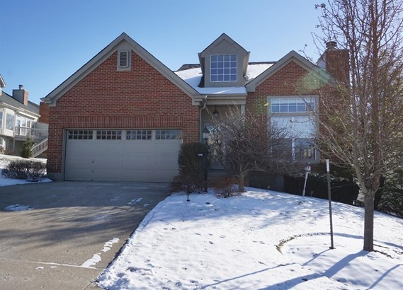 Transitional, Single Family Residence - Sharonville, OH (photo 1)