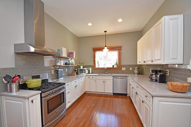 Single Family Residence, Traditional,Victorian - Cincinnati, OH (photo 5)
