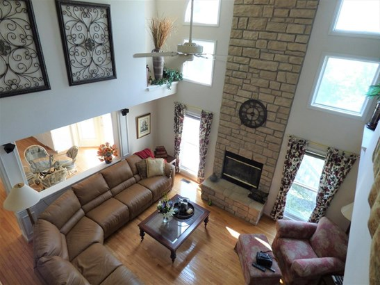 Single Family Residence, Traditional - Springdale, OH (photo 5)