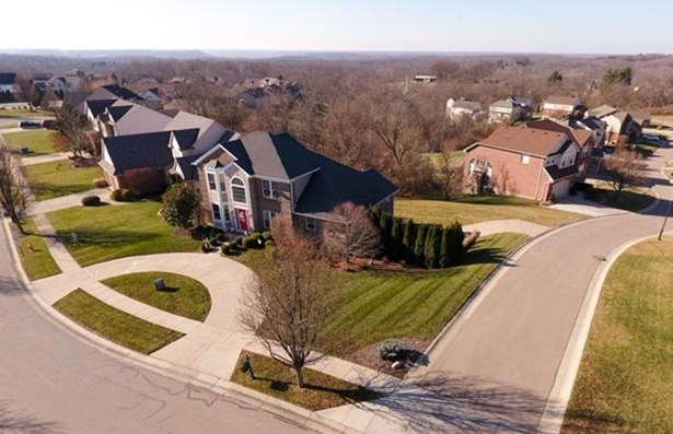 Single Family Residence, Traditional - Miami Twp, OH (photo 3)