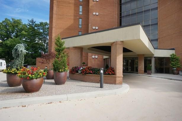 Condominium, Ranch - Cincinnati, OH (photo 1)