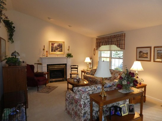 Single Family Residence, Ranch,Transitional - Green Twp, OH (photo 2)