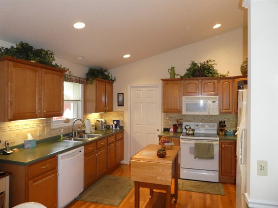 Single Family Residence, Ranch,Transitional - Green Twp, OH (photo 4)