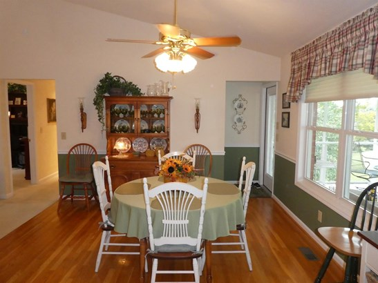 Single Family Residence, Ranch,Transitional - Green Twp, OH (photo 5)