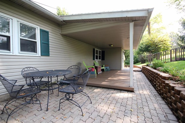Single Family Residence, Ranch - Franklin Twp, OH (photo 5)