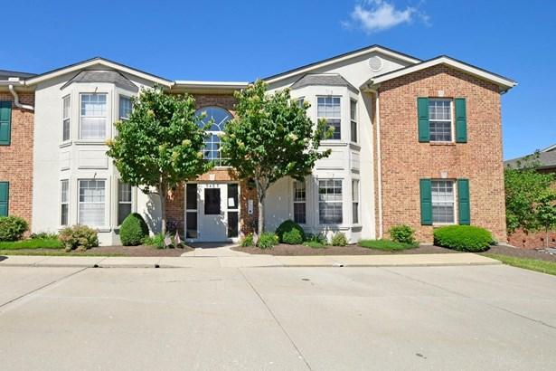 Condominium, Traditional - Green Twp, OH (photo 1)