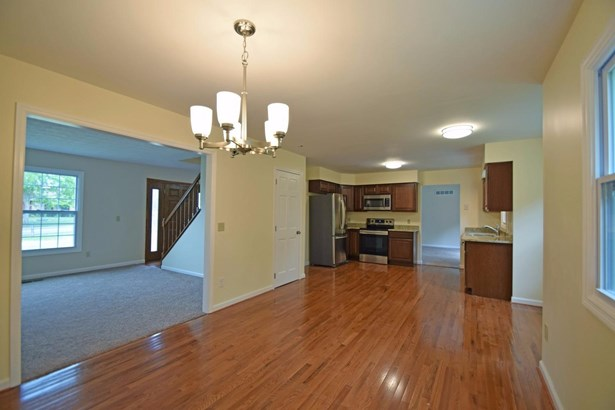 Single Family Residence, Traditional - Forest Park, OH (photo 5)