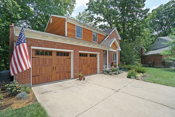 Single Family Residence, Traditional - Anderson Twp, OH (photo 2)