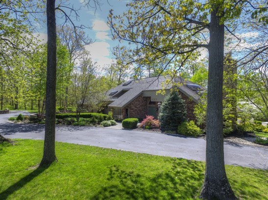 Single Family Residence, Contemporary/Modern - Hanover Twp, OH (photo 1)