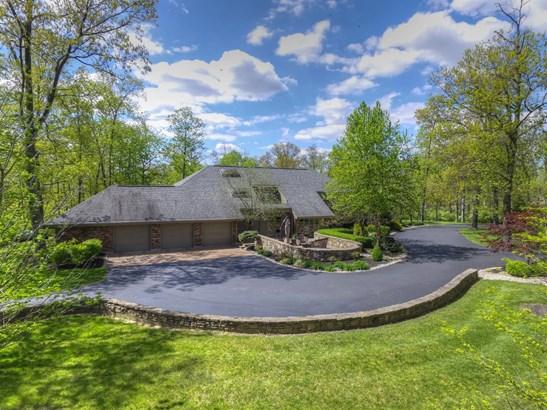Single Family Residence, Contemporary/Modern - Hanover Twp, OH (photo 2)