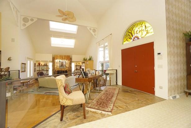 Single Family Residence, Contemporary/Modern - Hanover Twp, OH (photo 4)