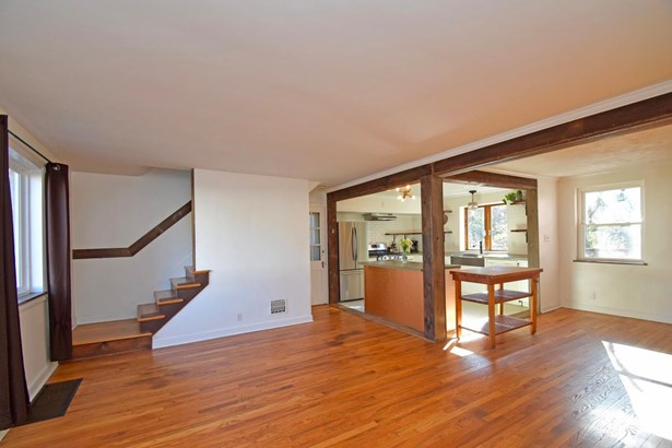 Single Family Residence, Cabin/Rustic,Tudor - Cincinnati, OH (photo 2)