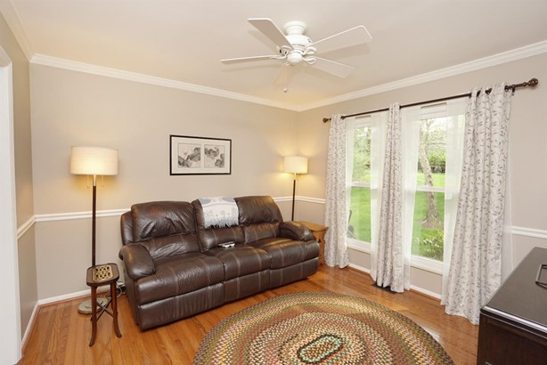 Transitional, Single Family Residence - Sharonville, OH (photo 4)