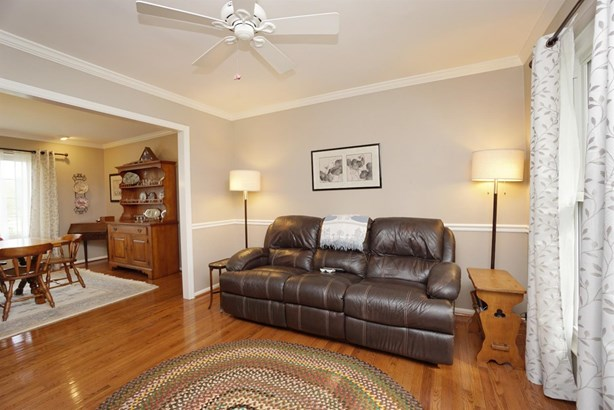 Transitional, Single Family Residence - Sharonville, OH (photo 5)
