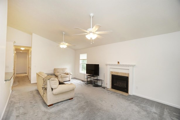 Single Family Residence, Ranch - Middletown, OH (photo 4)