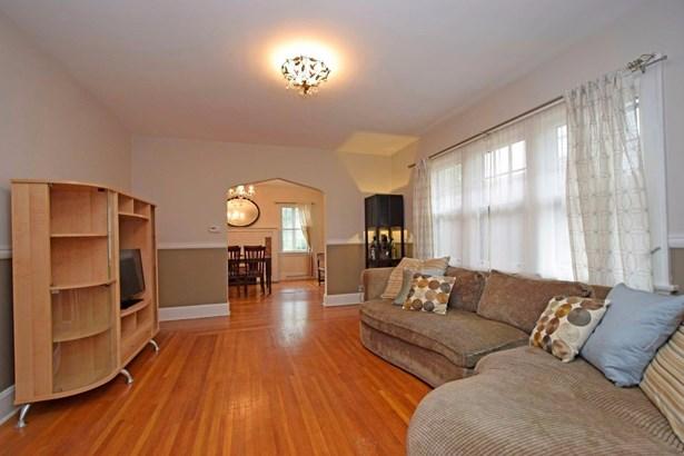 Cape Cod, Single Family Residence - Cincinnati, OH (photo 4)
