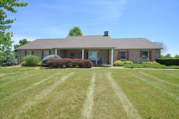 Single Family Residence, Traditional - Dillsboro, IN