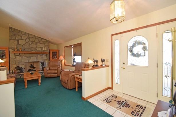 Single Family Residence, Traditional - Dillsboro, IN (photo 4)