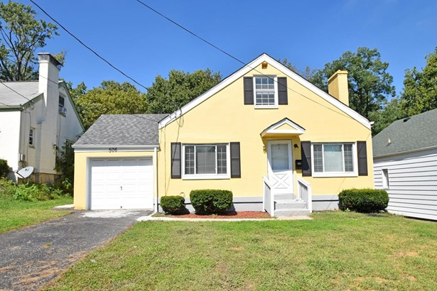 Cape Cod, Single Family Residence - Springfield Twp., OH